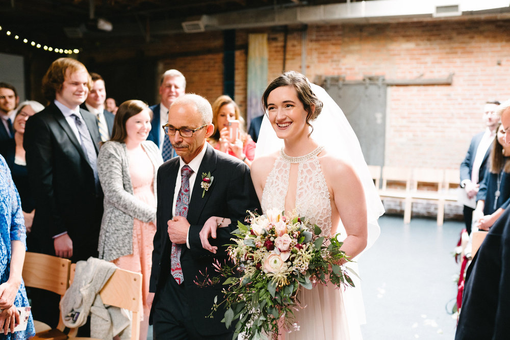 018-rempel-photography-chicago-wedding-inspiration-meredith-will-garfield-park-conservatory-painted-door-menguin-here-comes-the-bride-lulus-marcellos.jpg