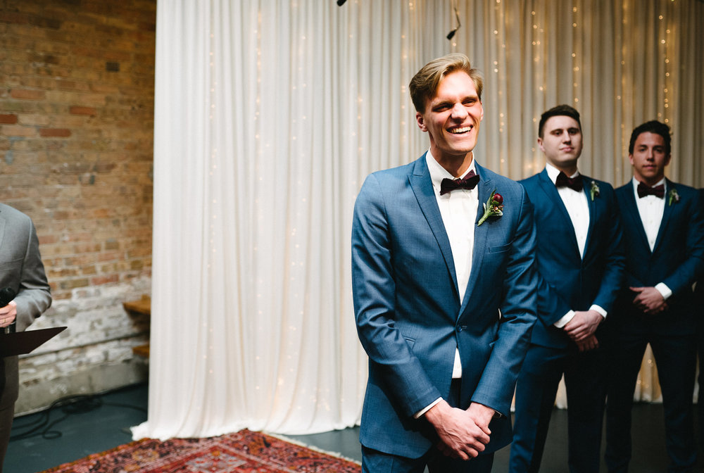 019-rempel-photography-chicago-wedding-inspiration-meredith-will-garfield-park-conservatory-painted-door-menguin-here-comes-the-bride-lulus-marcellos.jpg