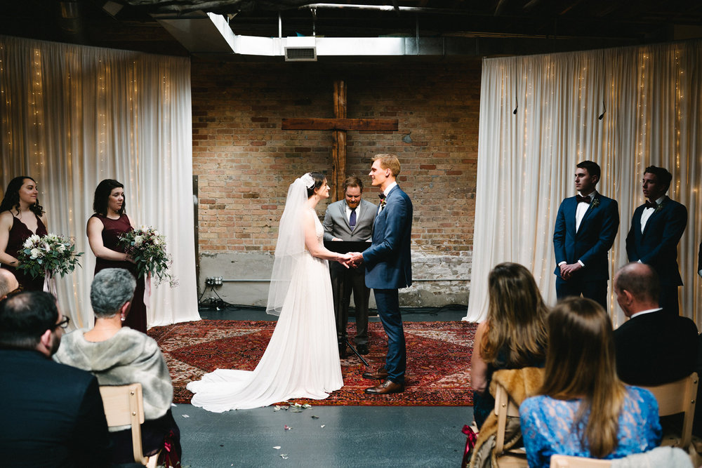 021-rempel-photography-chicago-wedding-inspiration-meredith-will-garfield-park-conservatory-painted-door-menguin-here-comes-the-bride-lulus-marcellos.jpg