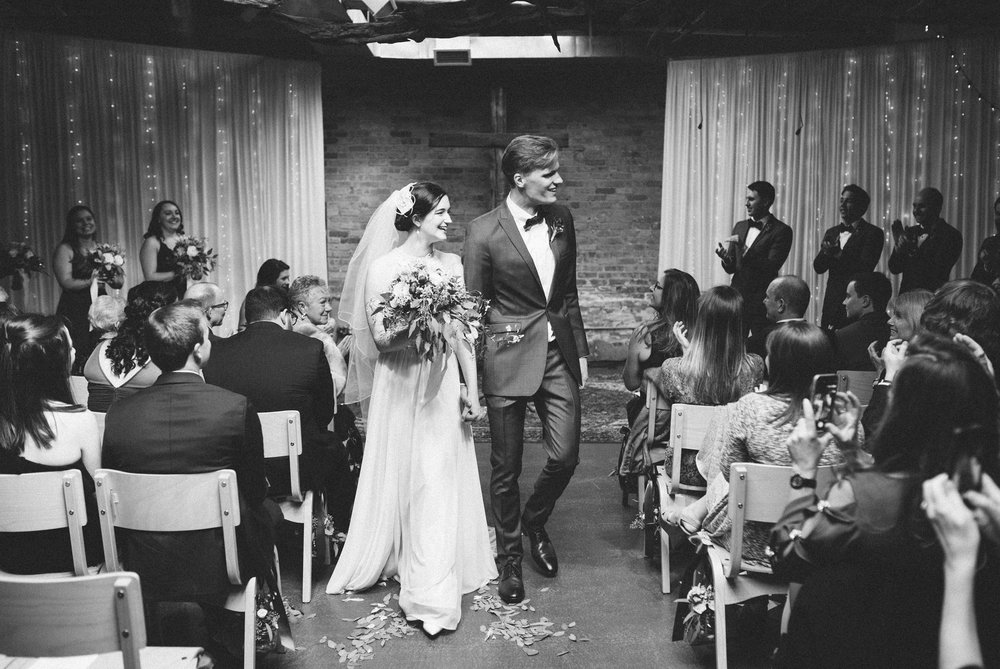 023-rempel-photography-chicago-wedding-inspiration-meredith-will-garfield-park-conservatory-painted-door-menguin-here-comes-the-bride-lulus-marcellos.jpg