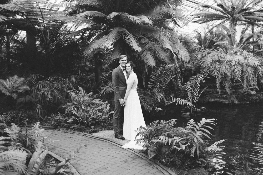 038-rempel-photography-chicago-wedding-inspiration-meredith-will-garfield-park-conservatory-painted-door-menguin-here-comes-the-bride-lulus-marcellos.jpg