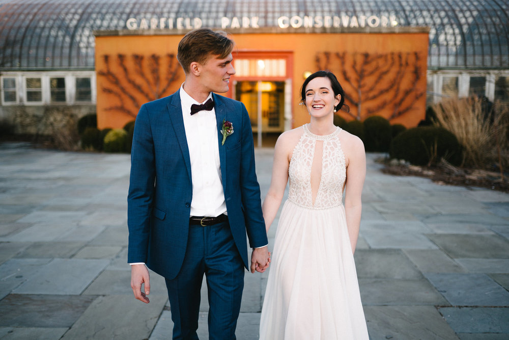 044-rempel-photography-chicago-wedding-inspiration-meredith-will-garfield-park-conservatory-painted-door-menguin-here-comes-the-bride-lulus-marcellos.jpg