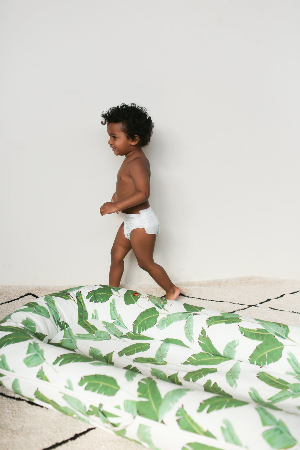 Lorena Canal Rugs - When you know you're about to have a baby in the house you need to baby proof and prepare everything. Many times in this process, the house doesn't seem cute anymore. Lorena Canal offers beautiful and very soft kid friendly designs, designed for a modern parent. What I love most is that you can throw them in the wash! As not only a mom but a pet owner, this feature is a major plus.lorenacanals.us