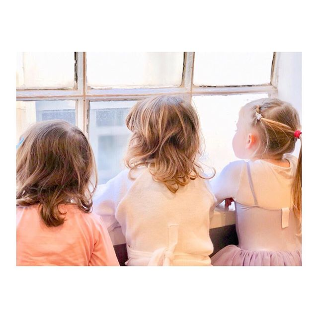 Waiting for our half term camps to start... 💖 We still have space tomorrow to join us for our ballet camp at @childrens_wellness_centre from 1:30-4:30 ✨ Sing! Hip Hop Camp is fully booked tomorrow but we do have a couple of spaces left for Tuesday at @cupcakefamilyclub 🎤 See you there little dancers! 🎶💖
