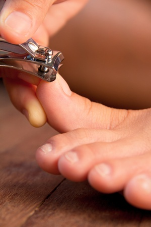 13524574_toe_nail_clippers_female_woman_fingers_trim_foot.jpg