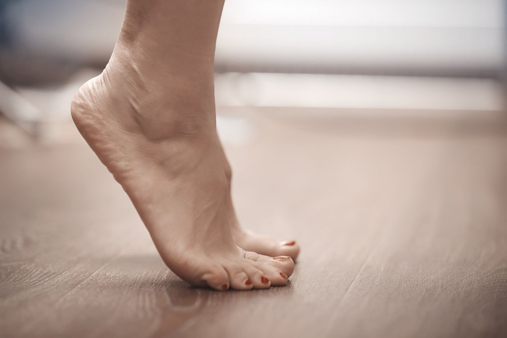 45022211_L_FootStretch_Feet_Toes_ Tip Toes.jpg