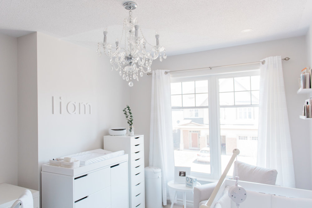 0004_Newborn_Lifestyle___All_White_Nursery_Baby_Boy___Hanan.jpg
