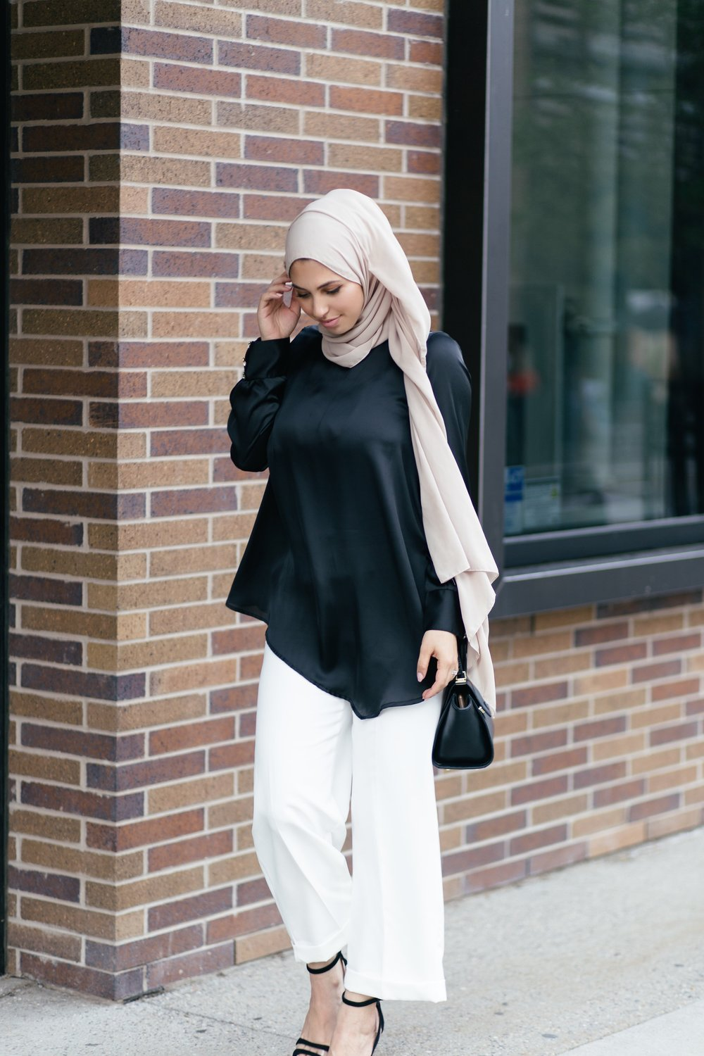 Black and white classic outfit.jpg