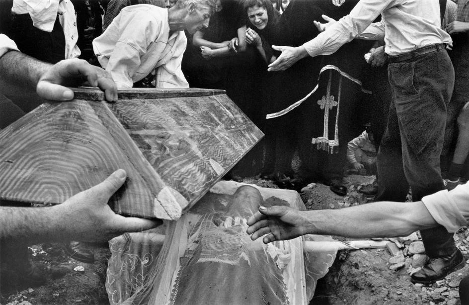 Koudelka's depiction of a Romanian burial.