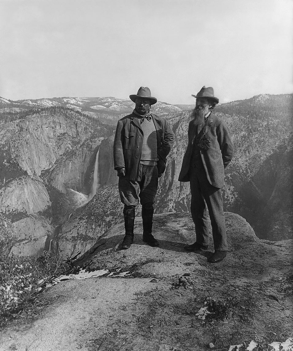 Muir with President Teddy Roosevelt on Glacier Point in front of Upper Yosemite Falls. Image by  Underwood & Underwood, 1906 .