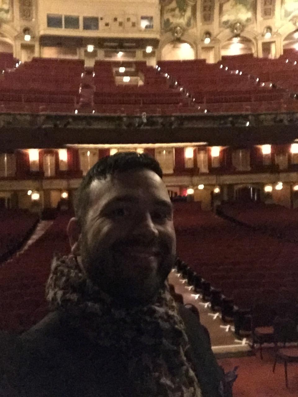 empty Chicago Theatre