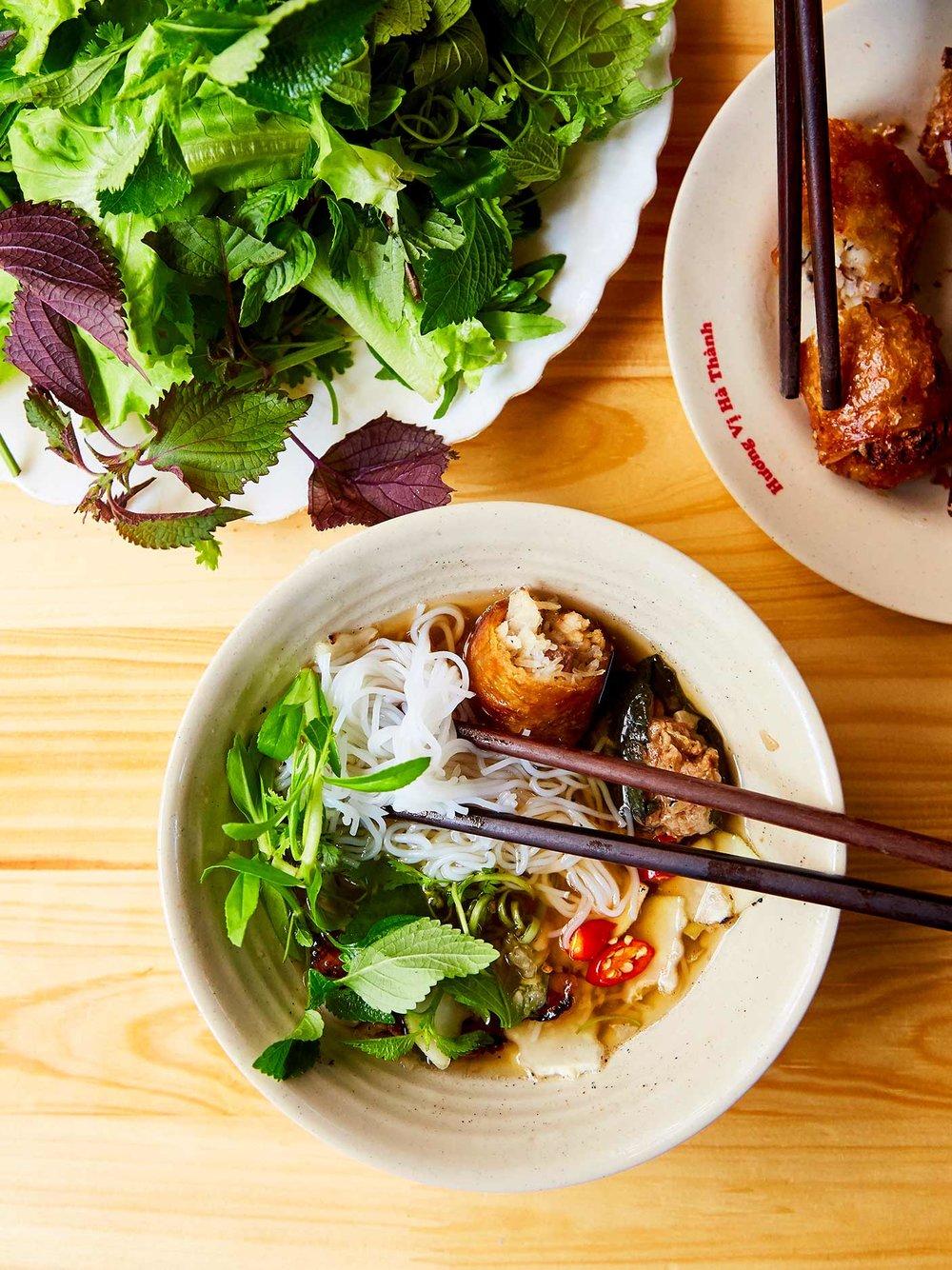 CNT_Hanoi_Bun_Cha_Dac_Kim_04.jpg