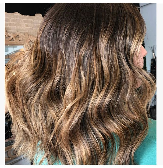 We would like to welcome @stevie_rayy to our color team! She is available for color, balayage and color melts! Book online or call 210.343.1273 • • Theoxygenroom.com #sanantonio #sanantoniostylist #balayage #babylites #texasbalayage #colormelt #beauty #tornbb #theoxygenroomandbeautybar #shadeseq #nofilterneeded