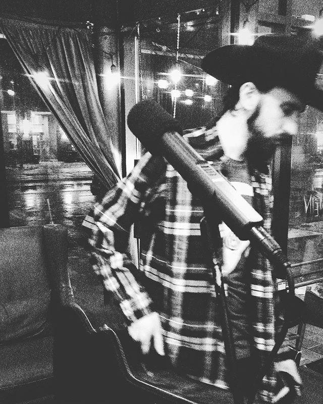 That's a wrap. 🖤 #fini #theend #openmic @shopclasskid #cowboy #cowboyhat #kafein #coffeehouse