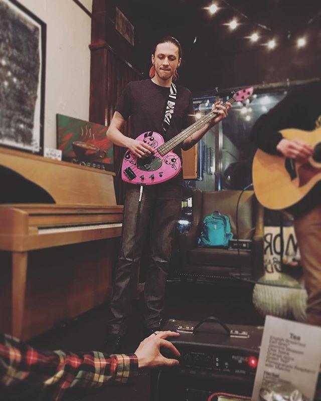 Your #barista on #bass. 💖 @randy_butternubs420 #openmic #kafeinopenmic