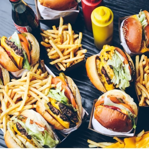 The gangs all here! 🍔🍟 Which California Burger is your favourite? 📍@californiaburgersmelb #californiaburgers #californiaburgersmelb #chapelstreet #windsor