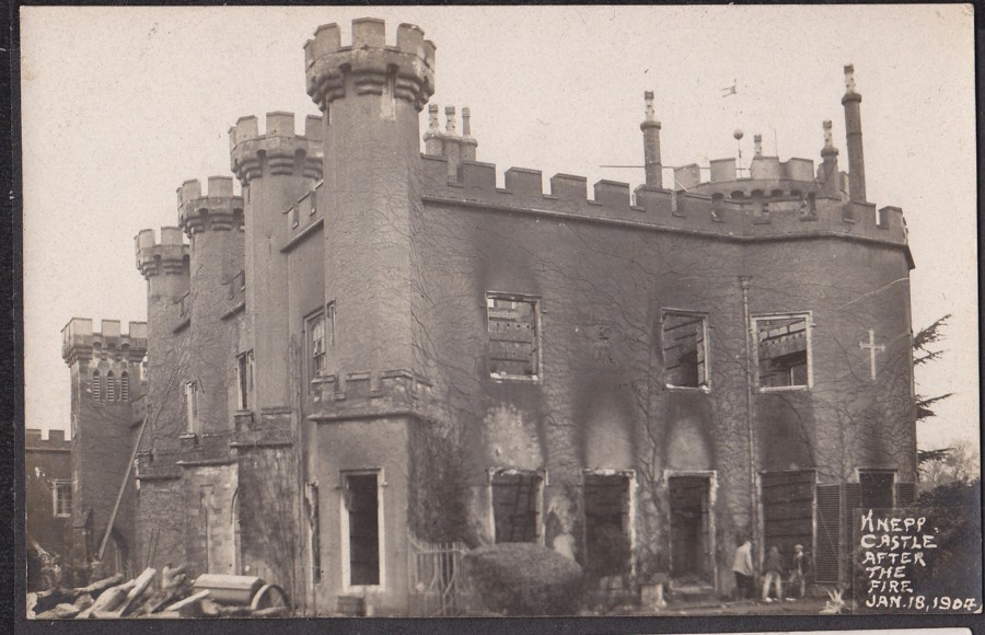 Knepp castle ruins after the fire 1904.jpg