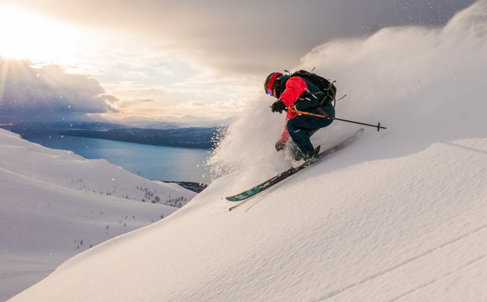 Pete ripping that dry winter snow late in to the evening. Photo: Sophie Stevens