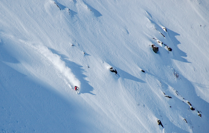 Finding the best goodies in a pretty damn good goodie bag in Vesterålen. Skier: Pete Oswald, photo by: Tove Kockum