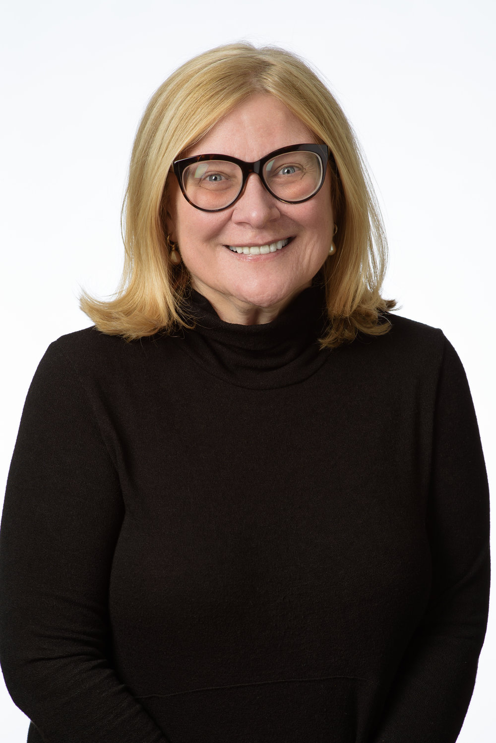 """""""My problem is when people say 'cannabis works' or 'cannabis doesn't work'. Well, what do you mean by cannabis? How much of each cannabinoid are we talking about? Whilst it's impossible to recreate the pharmaceutical experience, we can at least do a good job in saying what the product is."""" - Dr Rosemary Mazanet, CSO Columbia Care and Cannabis Europa Speaker"""