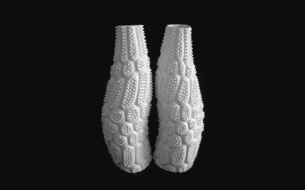 FI-Ikuko-Iwamoto-ribosome-flower-vase-02.jpg