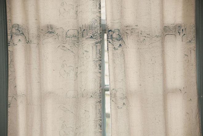 wells-thorn-mystery-curtain.jpg