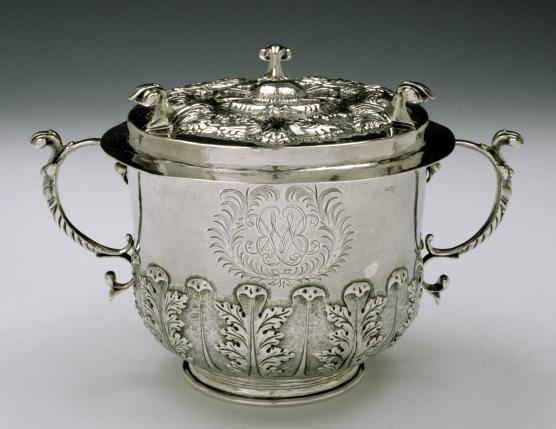 silver-urn.jpg
