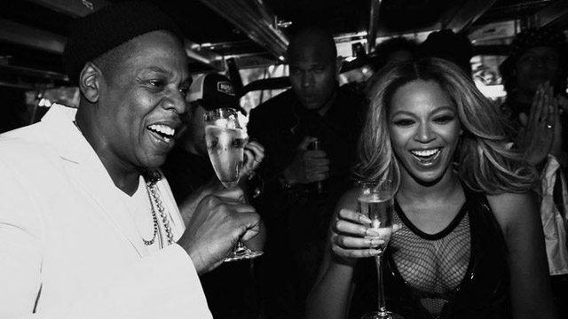 640_beyonce_jay_z_champagne_toast.jpg