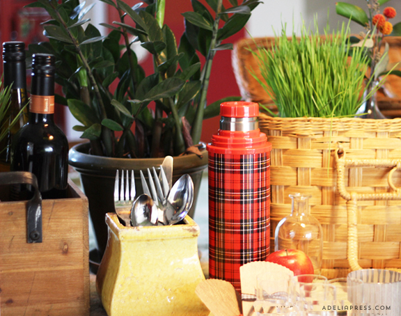 Of course, you can't have a vintage picnic without a vintage-like plaid thermos.