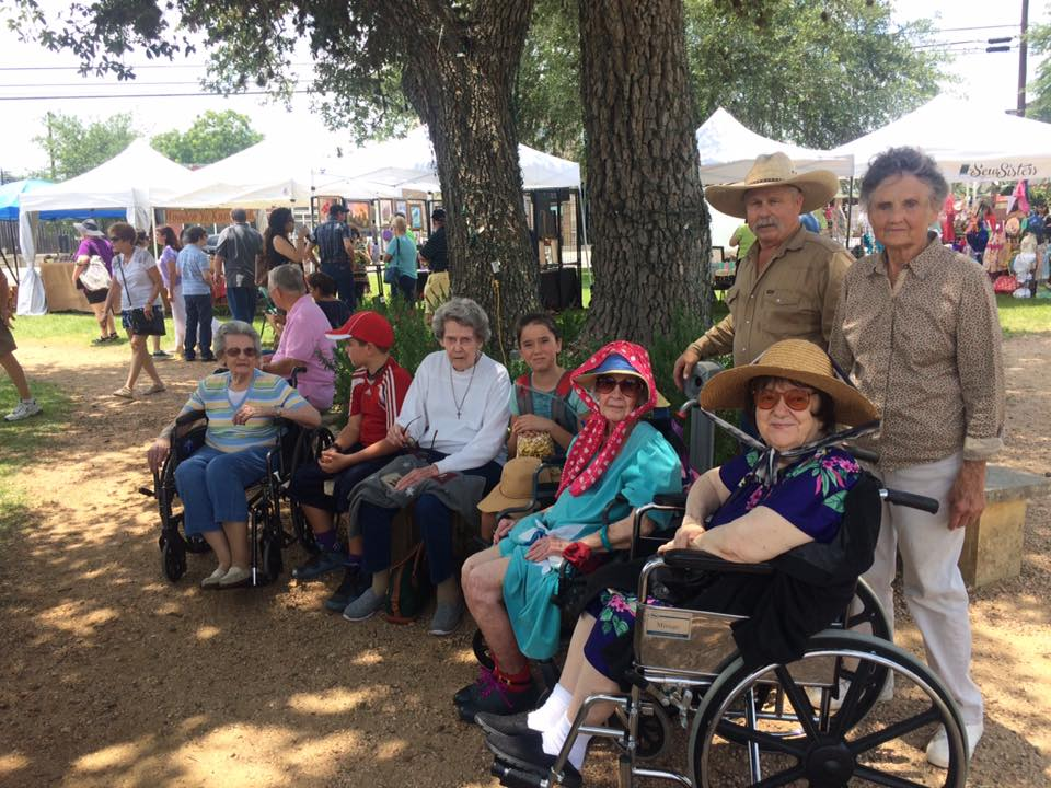 Lavender festival with the residents of Henry House in Blanco!