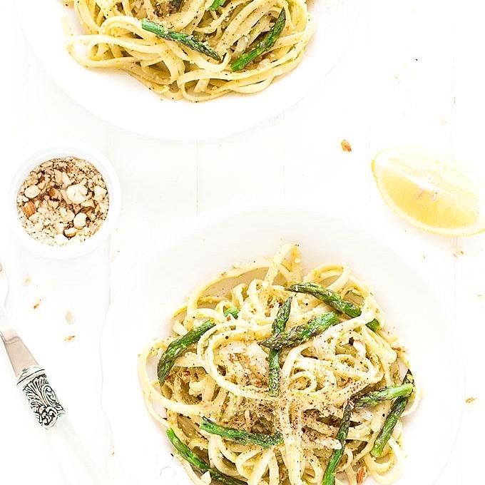 15-Minute Asparagus Almond Pasta