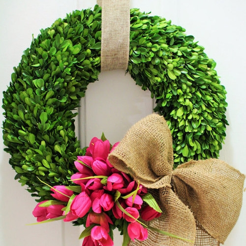 Outdoor Boxwood Wreath