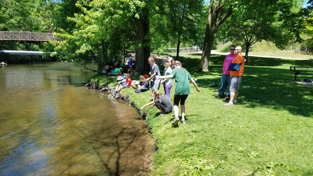 East Rockford Middle School Students Conducting Macro Invertebrate Study on the Rogue River