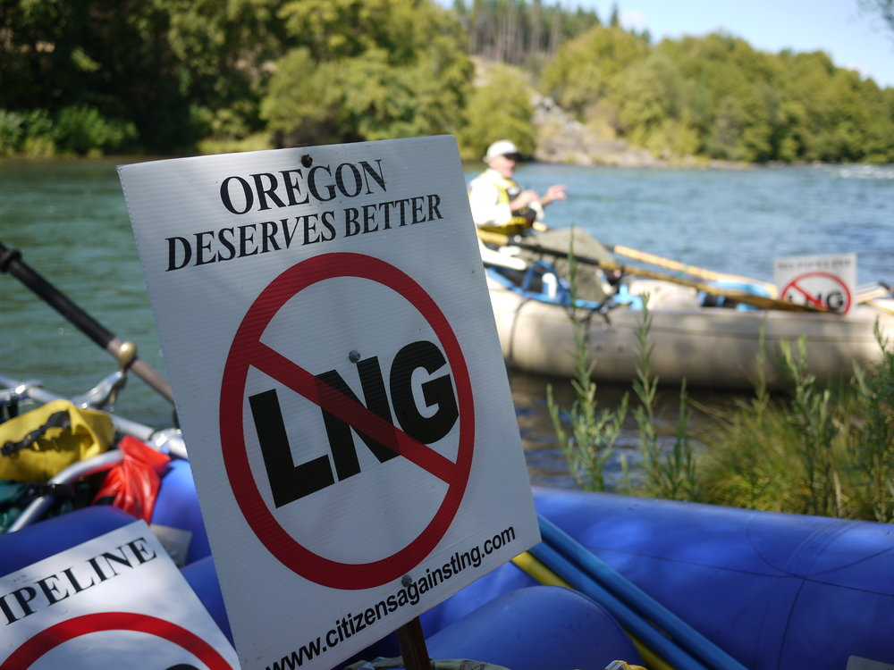 LNG sign on the rogue.jpg
