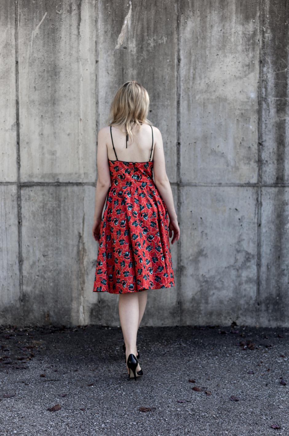 My Vintage Look, Call Me Print Vintage Dress, Fit + Flatter1.png