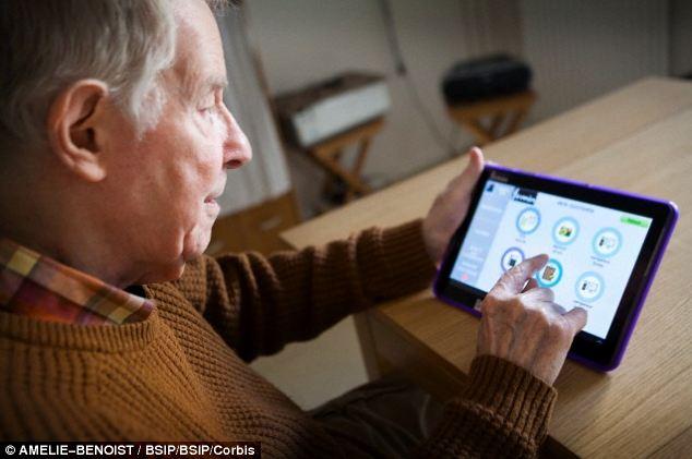 elderly-using-app.jpg