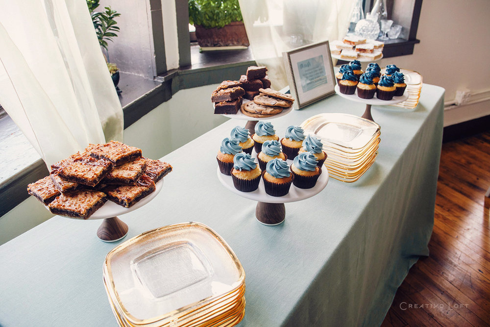 blue-sweets-table-cupcakes-woodstands.jpg