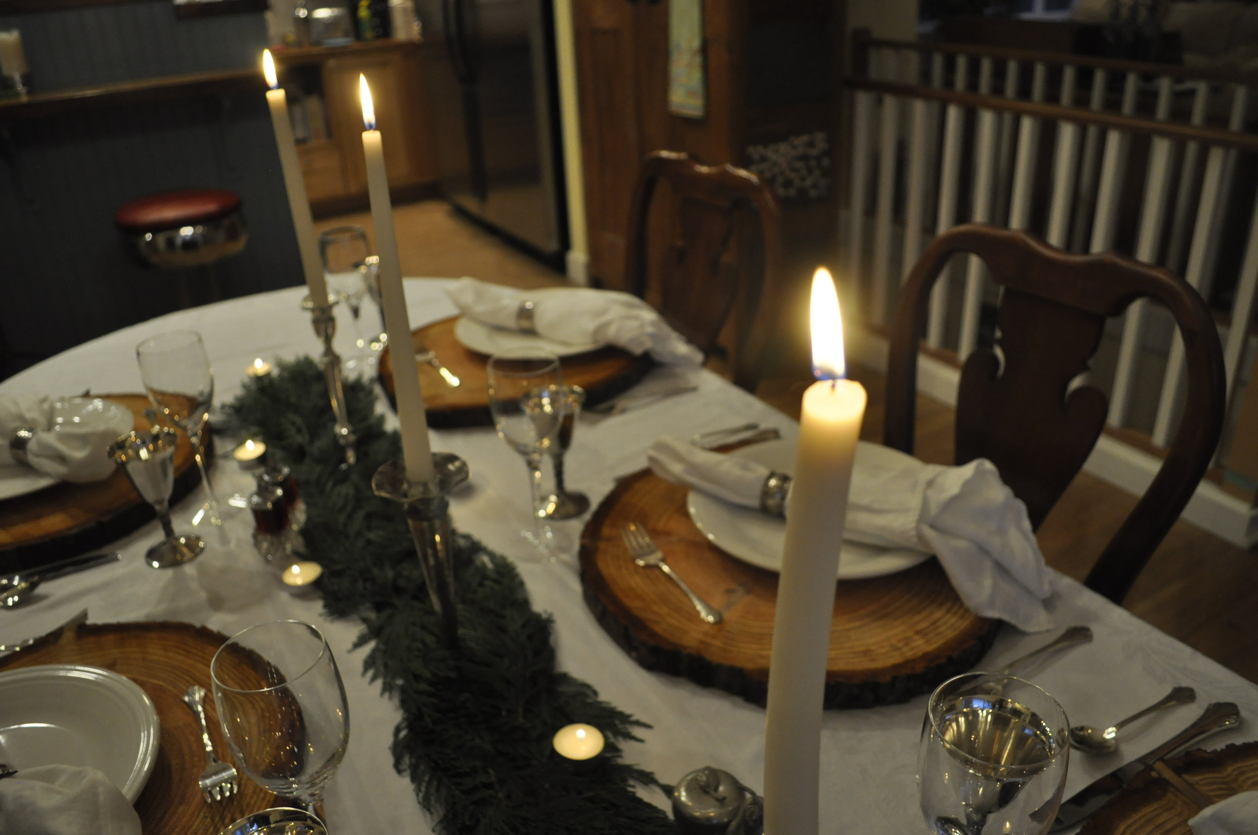 Northwest Pearls: Christmas Tablescape