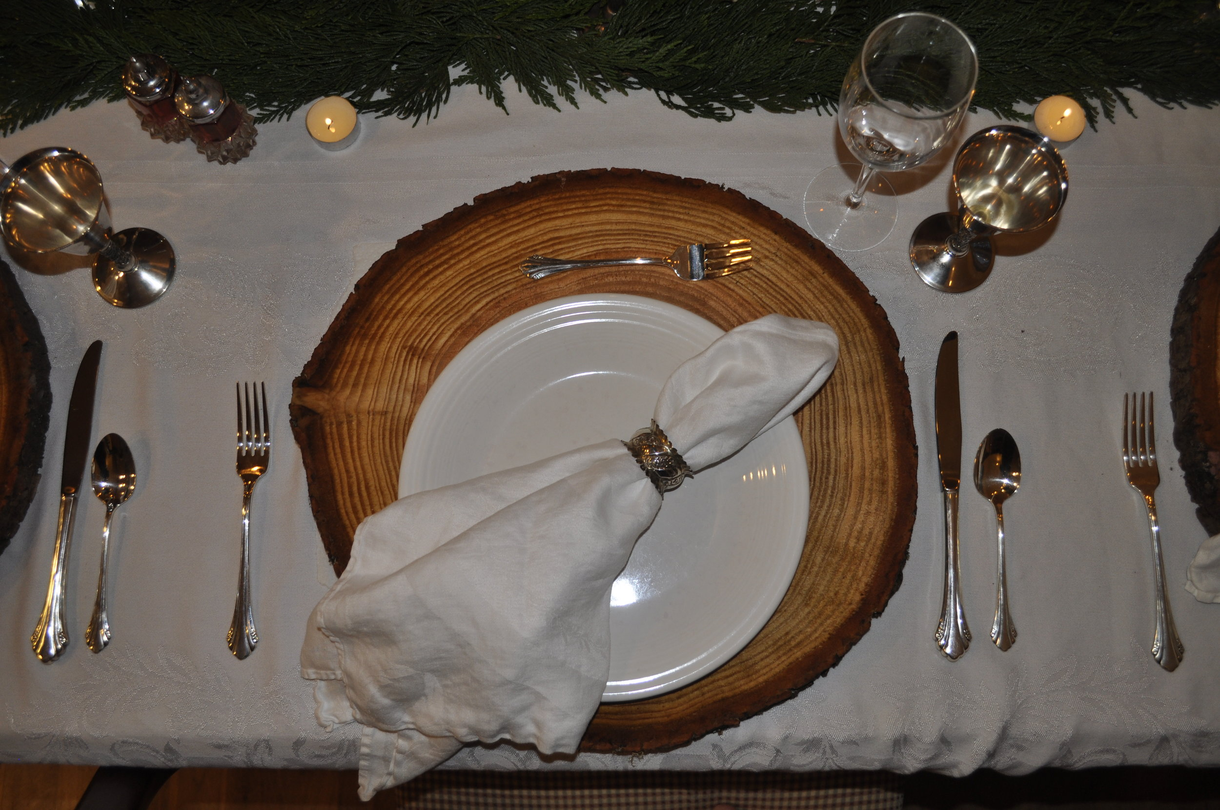 Northwest Pearls: Christmas Place Setting