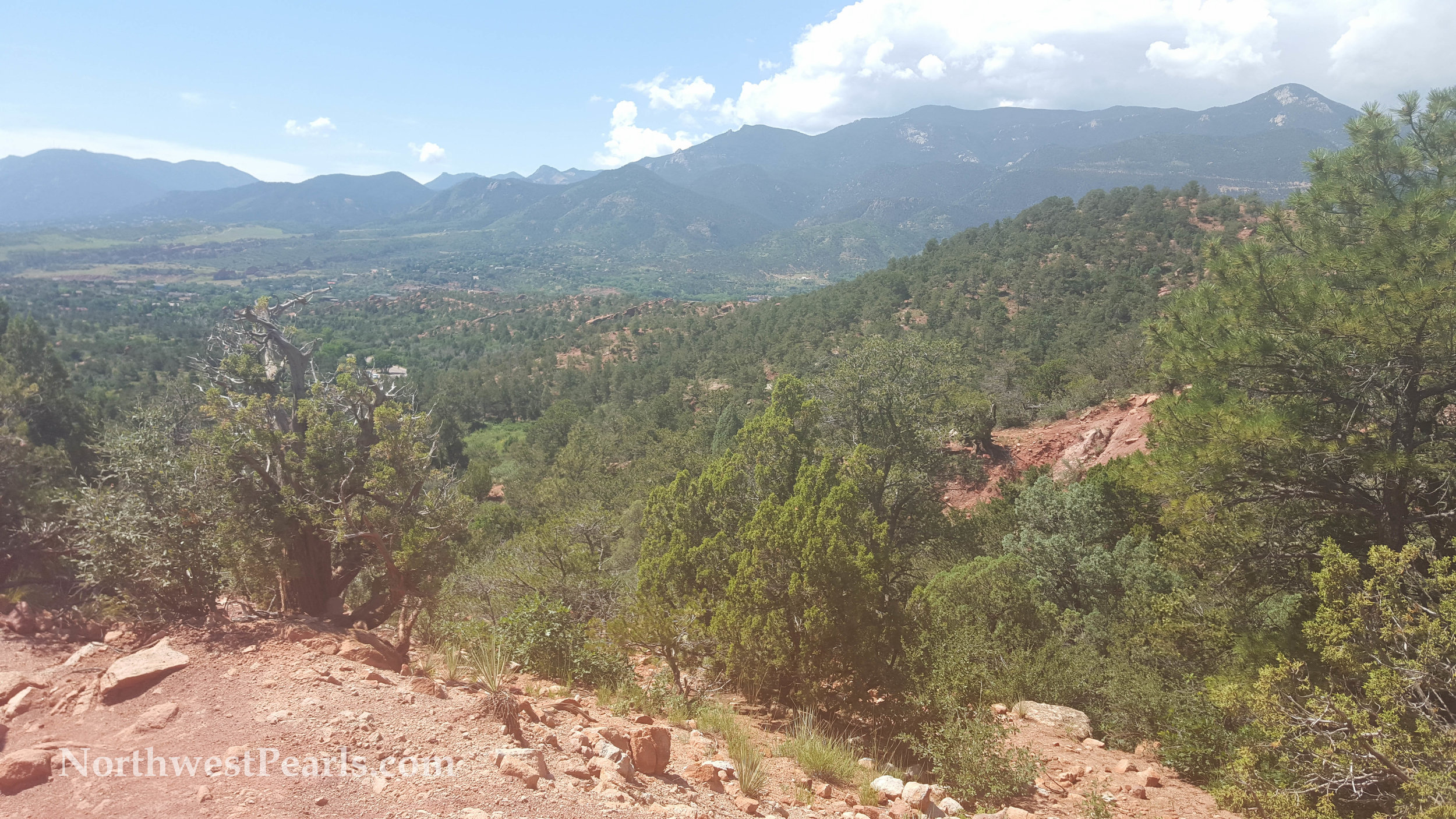 Northwest Pearls: Bachelorette Hike at Garden of the Gods