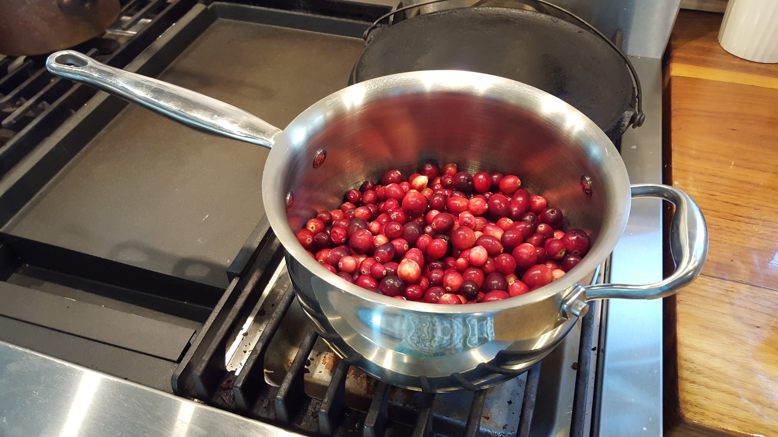 Northwest Pearls: Cranberry Sauce