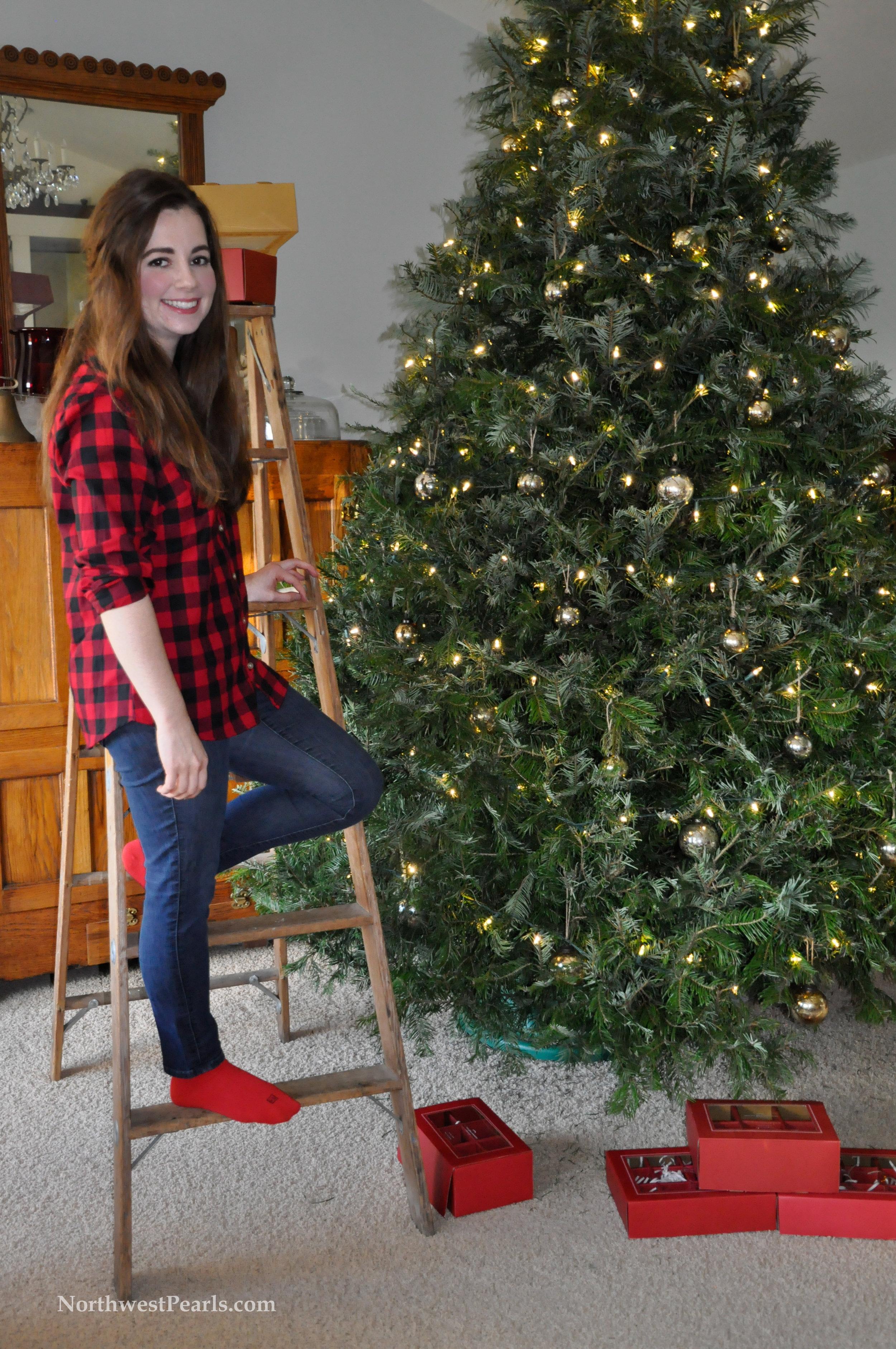 Northwest Pearls: Christmas Tree OOTD