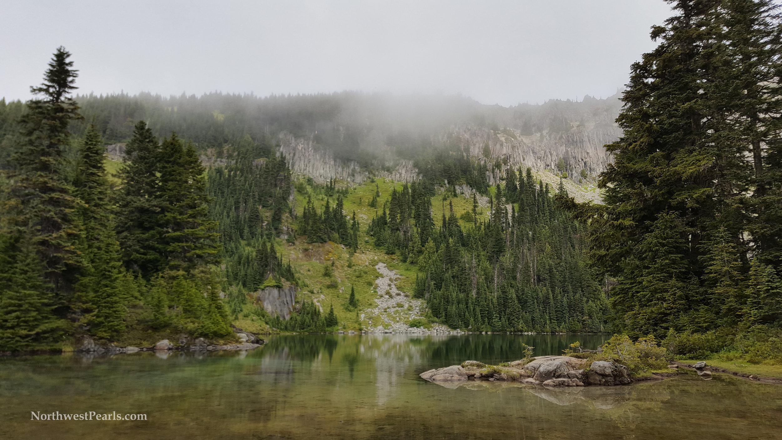 eunice-lake-tolmie-peak-xs-2