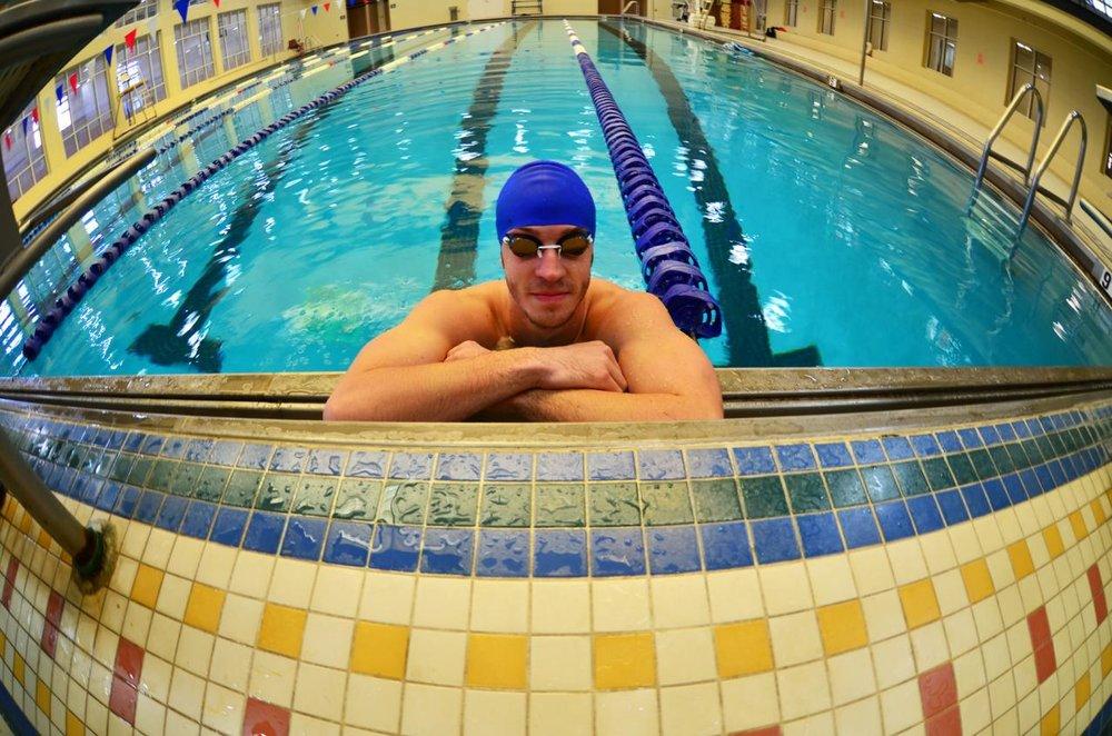 MaleSwimmer_1a.jpg