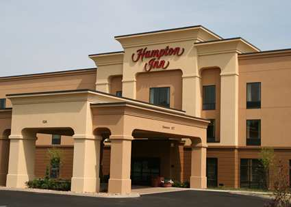 Hampton Inn   126 Sharon Drive Dandridge, TN 37725 (865) 940-1200