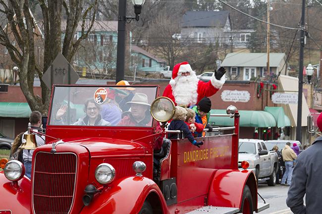 Christmas-Parade-57-12172016.jpg