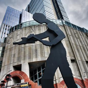 Jonathan Borofsky,  Hammering Man , located at the Seattle Art Museum