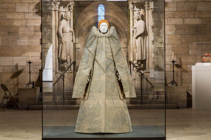 heavenly-bodies-the-met-cloisters-exhibit-new-york-city-usa_dezeen_2364_col_14-852x568.jpg