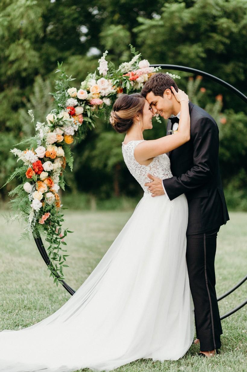 flower-circle-couple-1.jpg