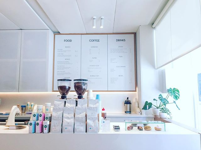 Dreamy coffee stores in Melbourne @industrybeans ~ #freelancelife #femaleentrepreneur #positivevibes #coffee #coldbrew #minimal #white #coffeeshop #botanicals #love #melbourne